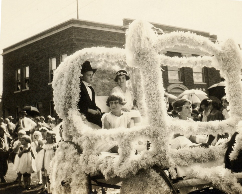 1925 Prince Princess Float