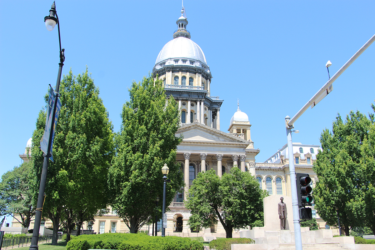 Illinois House adjourns as budget meetings go on